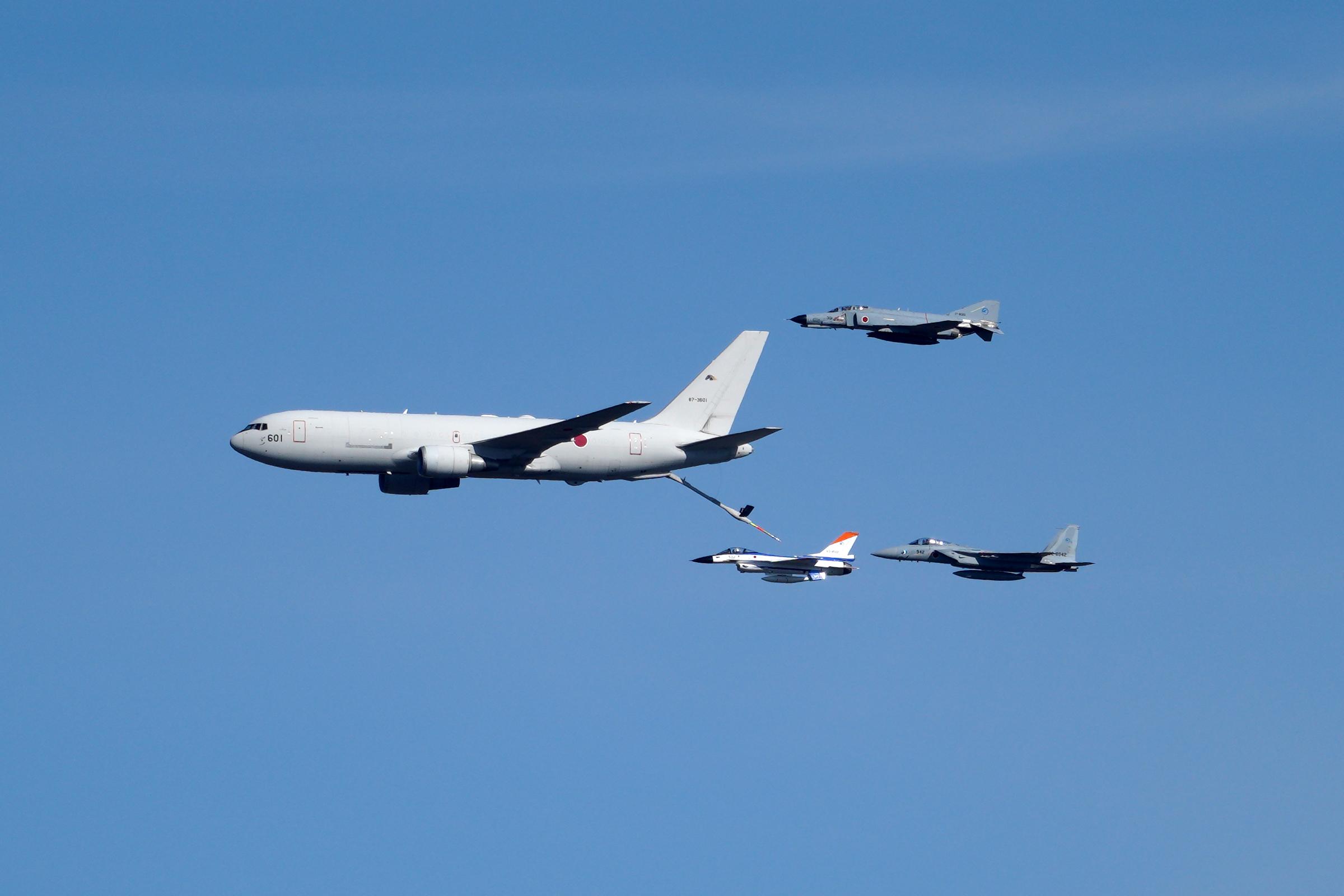 KC-767、F-2、F-4、F-15
