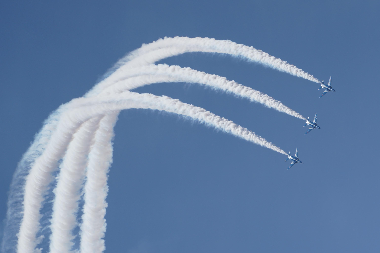 ブルーインパルスアクロバット飛行その1