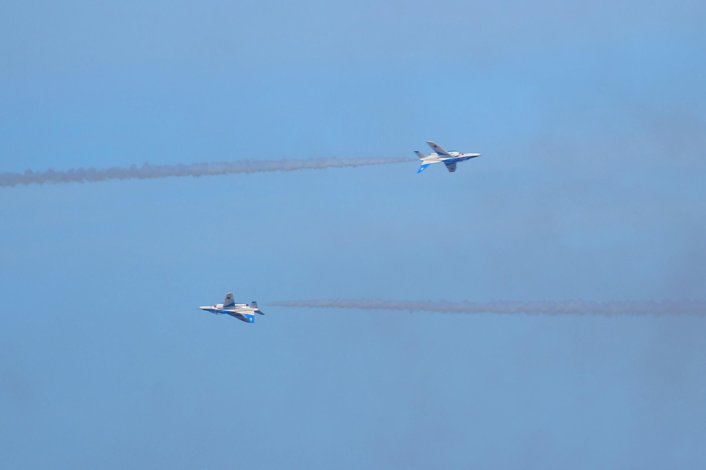 ブルーインパルスアクロバット飛行オポジットコンティニュアスロールその2