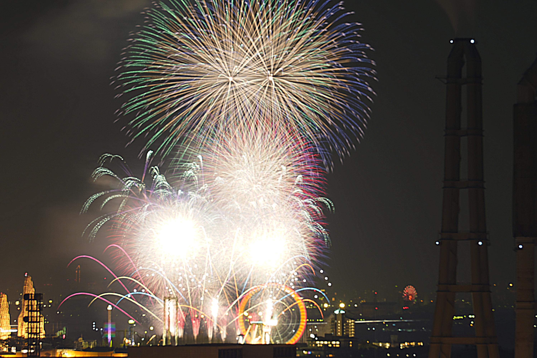 四日市工場夜景(四日市市霞2丁目)うみてらす14からの長島花火その2